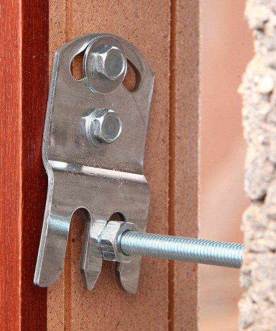 Система монтажа дверей